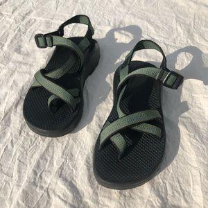 Chaco green sandal women's 9